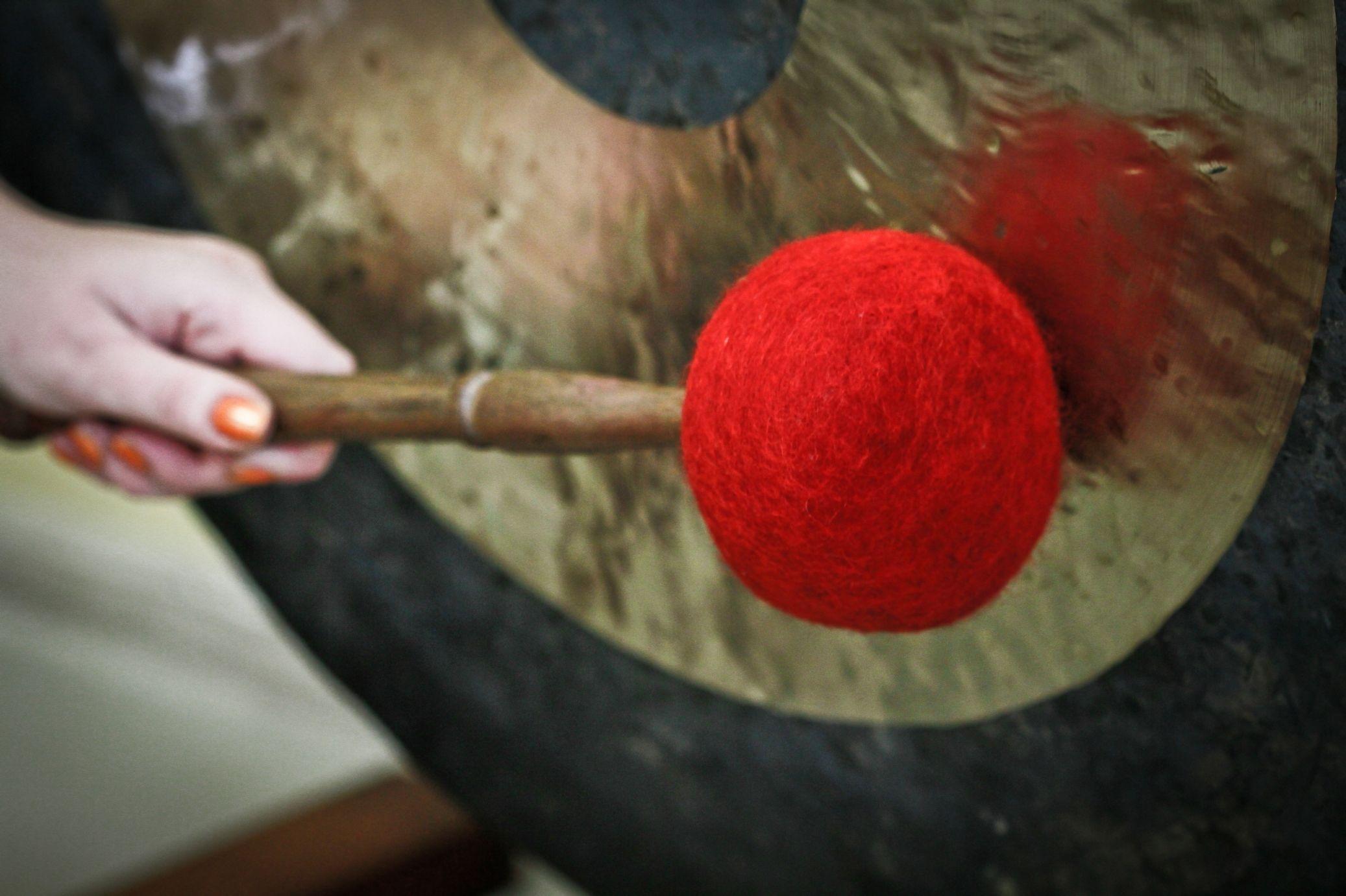 Relaksacja w dźwiękach mis i gongów